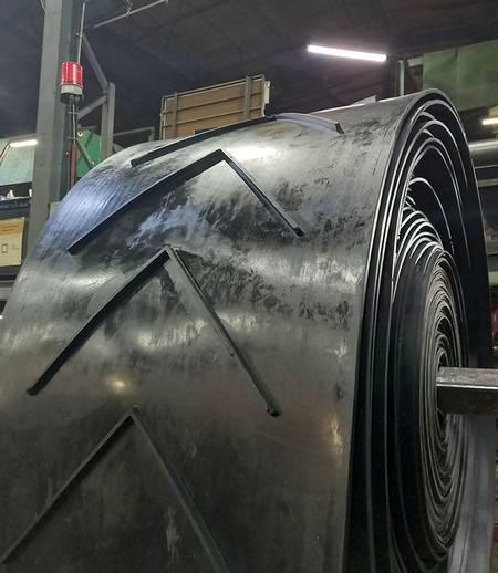 Фото шевронной ленты на производстве ГСК Красный Треугольник